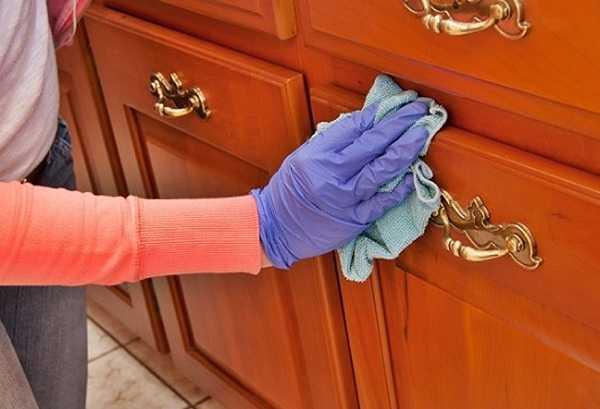 Để chống mối mọt phải thường xuyên vệ sinh đồ gỗ