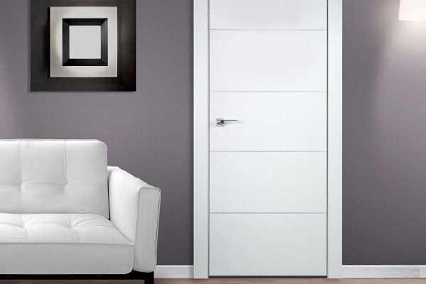 Mẫu cửa thông phòng màu trắng