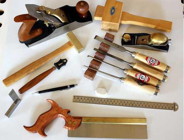 Dụng cụ tháo lắp giường gỗ