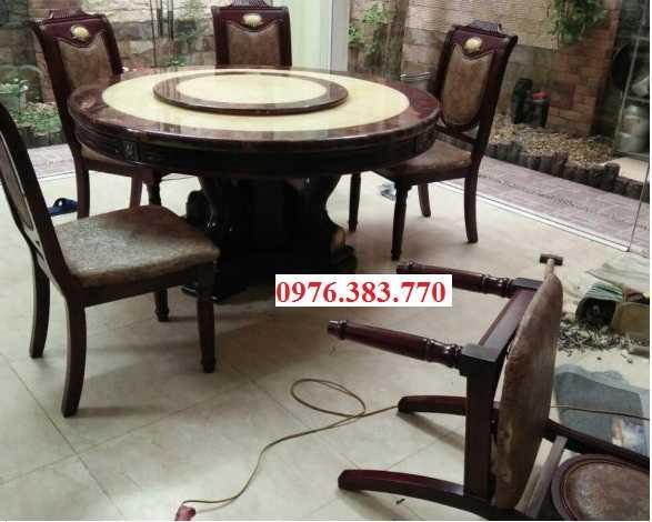 Thợ mộc sửa bàn ghế gỗ