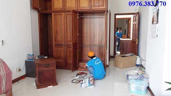 Tháo lắp tủ gỗ tại nhà